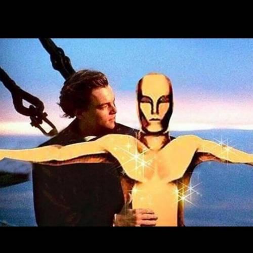 Leonardo DiCaprio vince l'oscar, la reazione della rete 9