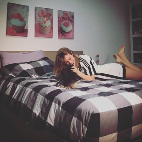 Valentina Allegri, selfie sexy per i fan 7
