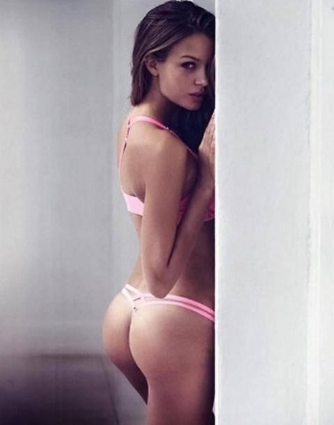 Josephine Skriver, modella sexy nata in provetta 6