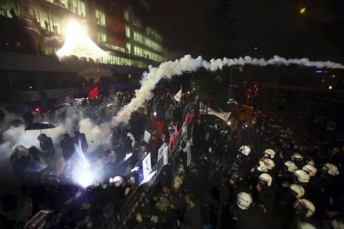 Turchia, scontri dopo il sequestro del quotidiano 1