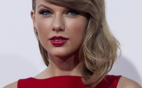 Taylor Swift e Calvin Harris festeggiano il primo anniversario: foto 14
