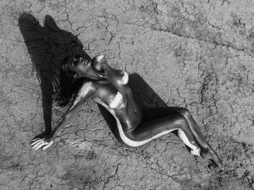 Kim Kardashian nuda su Instagram: foto 9