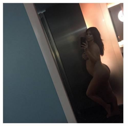Kim Kardashian nuda su Instagram: foto 19