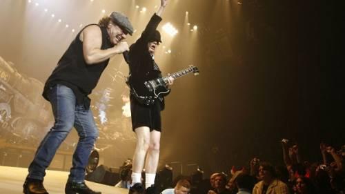 AC/DC, seriamente a rischio l'udito di Brian Johnson: foto 4