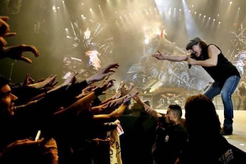 AC/DC, seriamente a rischio l'udito di Brian Johnson: foto 10