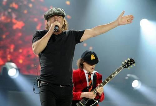AC/DC, seriamente a rischio l'udito di Brian Johnson: foto 8