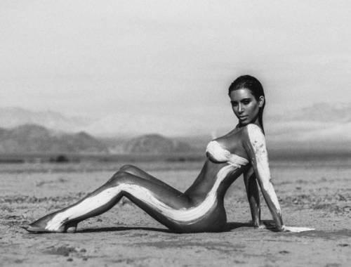 La sexy provocazione di Kim Kardashian su Instagram 3