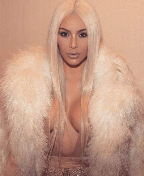 La sexy provocazione di Kim Kardashian su Instagram 10