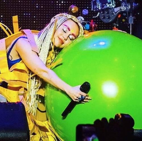 Miley Cyrus, basta con le provocazioni: foto 4