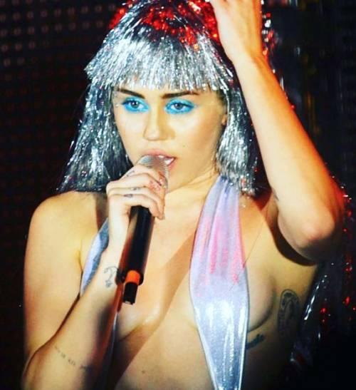 Miley Cyrus, basta con le provocazioni: foto 10