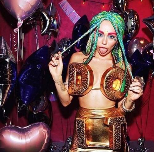 Miley Cyrus, basta con le provocazioni: foto 14