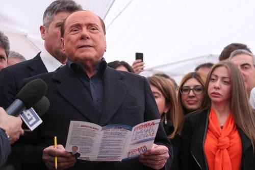"""Berlusconi al Salone del mobile: """"L'Expo a Milano? Merito mio"""""""