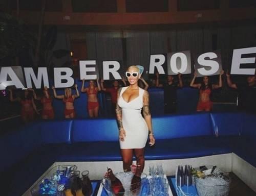 Amber Rose, anche l'ex di Kanye West difende il selfie hot di Kim Kardashian: foto 9