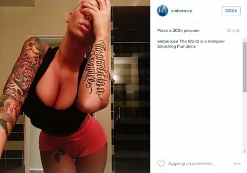 Amber Rose, anche l'ex di Kanye West difende il selfie hot di Kim Kardashian: foto 16