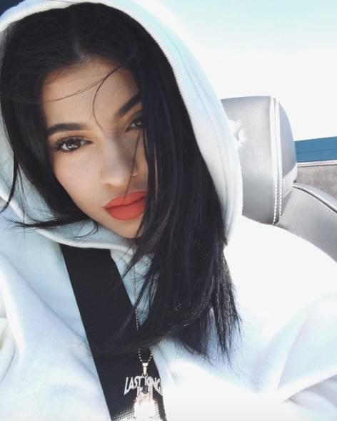 Kylie Jenner sexy e provocante 9