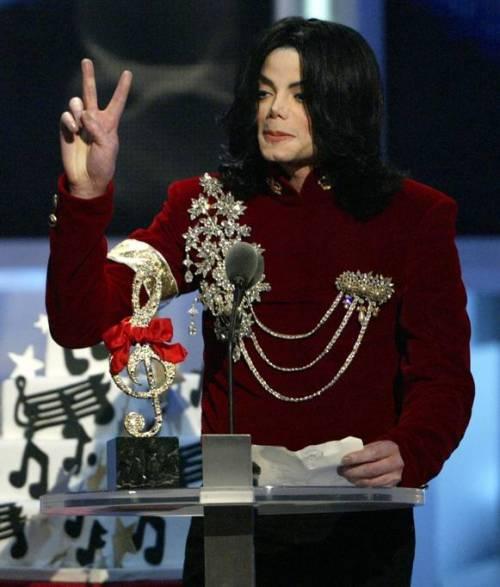 La sony compra il catalogo di Micheal Jackson per 750 milioni di dollari 15