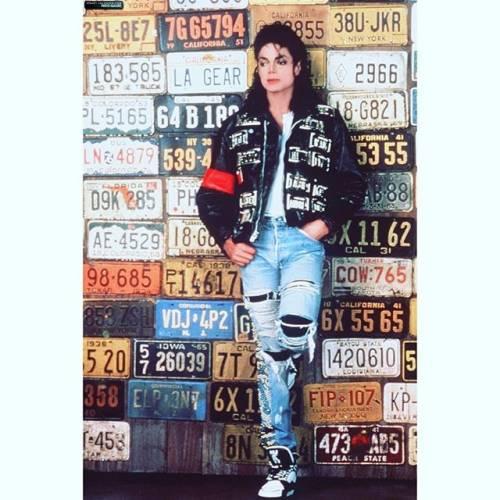 La sony compra il catalogo di Micheal Jackson per 750 milioni di dollari 16