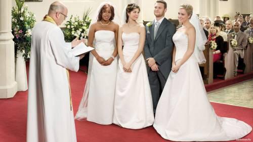 """""""Avete legalizzato le nozze gay. Ora legalizzate la poligamia"""""""