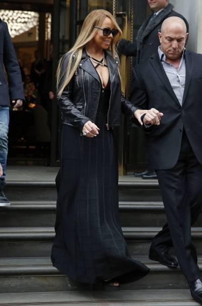 Mariah Carey nella tappa londinese del suo tour 10