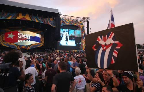 La «lingua» dei Rolling Stones incanta Cuba