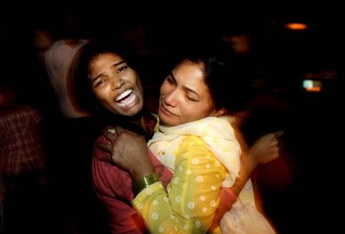 Pakistan, kamikaze si fa esplodere nel parco dei bimbi: strage di cristiani 2