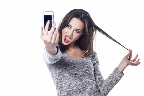 I selfie fanno male alla pelle