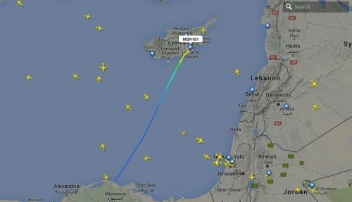 Dirottato volo EgyptAir: in ostaggio 4 stranieri 2