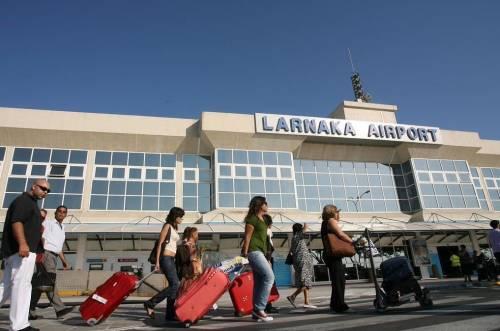 Dirottato volo EgyptAir: in ostaggio 4 stranieri 3