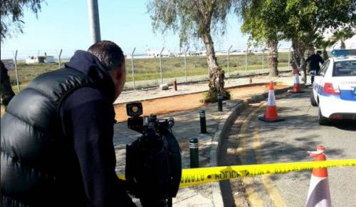 Dirottato volo EgyptAir: in ostaggio 4 stranieri 5