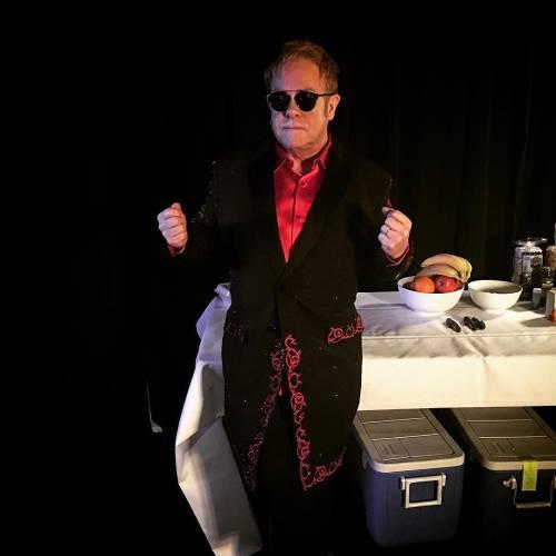 Elton John si difende dalle accuse di molestia 3
