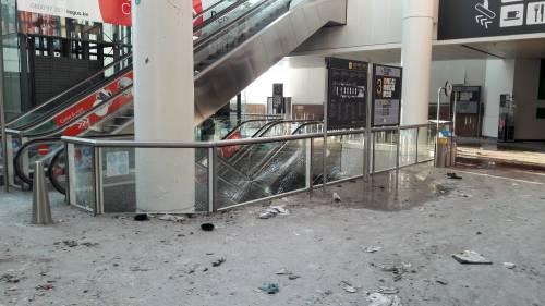 La devastazione a Zaventem dopo l'attentato jihadista 11
