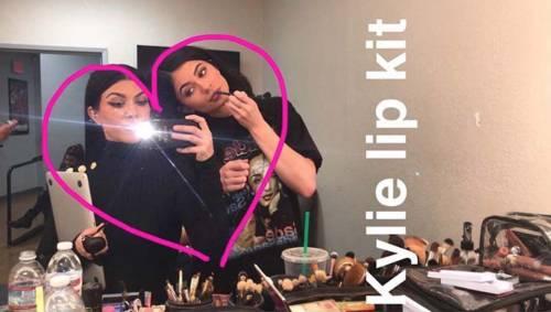 Kourtney Kardashian su Snapchat 12
