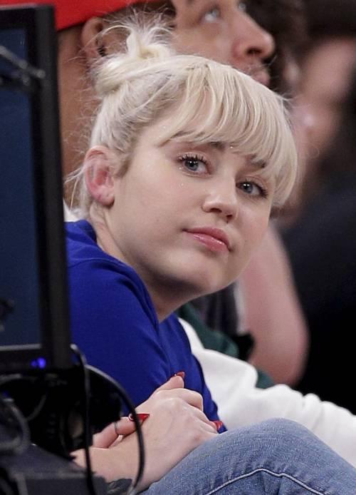 Miley Cyrus, torna il sereno con Liam Hemsworth e spunta il secondo anello