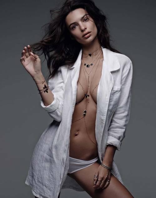 Emily Ratajkowski e Kim Kardashian in topless 13