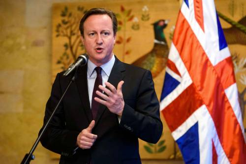 Cameron stoppa i raid contro l'Isis