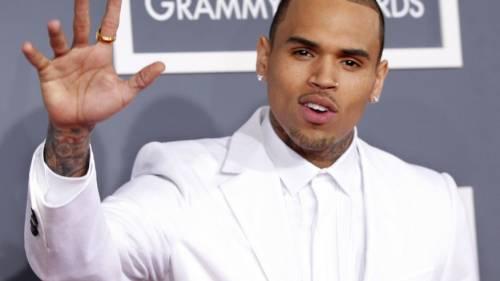 Chris Brown ironizza sul tentato suicidio di Kehlani