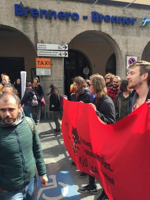 Brennero, manifestazione pro migranti 3