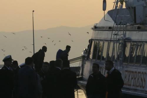 Grecia, le prime espulsioni di immigrati in Turchia 11