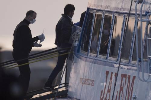 Grecia, le prime espulsioni di immigrati in Turchia 10