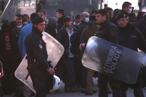 Grecia, le prime espulsioni di immigrati in Turchia 16