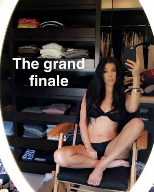 Kourtney Kardashian, bikini leopardato da urlo: foto 6
