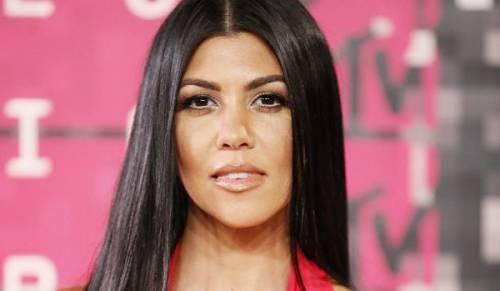 Kourtney Kardashian, bikini leopardato da urlo: foto 11
