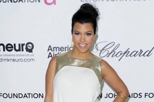 Kourtney Kardashian, bikini leopardato da urlo: foto 12