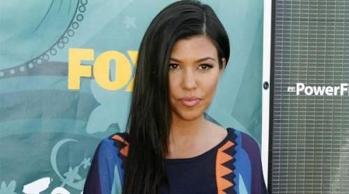 Kourtney Kardashian, bikini leopardato da urlo: foto 13