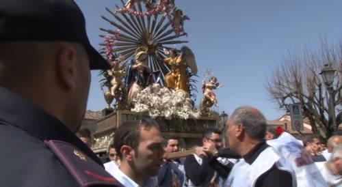 """Calabria, la Madonna sotto scorta per evitare gli """"inchini"""" ai boss"""