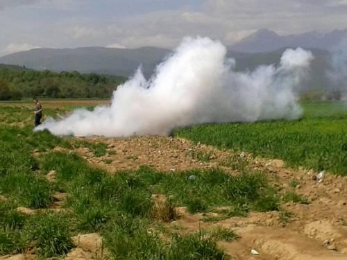 Migranti, scontri e feriti a Idomeni 2