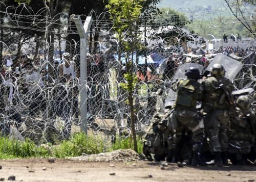Migranti, scontri e feriti a Idomeni 4