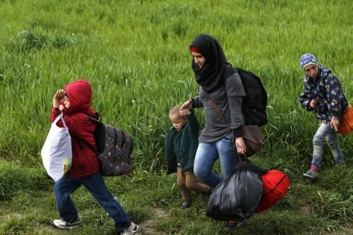 Migranti, scontri e feriti a Idomeni 7