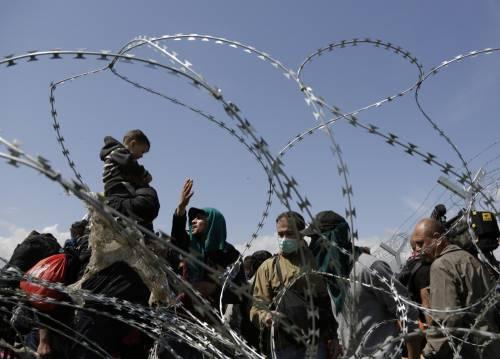 Migranti, scontri e feriti a Idomeni 8