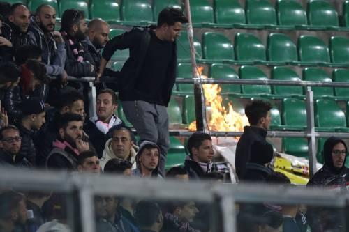 Alta tensione al Barbera: Palermo-Lazio sospesa più volte 6